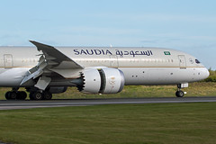 HZ-ARB Saudia 787-9 (Centreline Photography) Tags: airport runway plane planes aeroplane aircraft planespotting canon aviation flug flughafen airliner airliners spotting spotters airplanes airplane flight manchester manchesterairport egcc man ringway rvp runway05r centrelinephotography chrishall aviationphotography