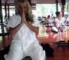 20170428_074955 (Cleu Corbani) Tags: meditacion mujer monasterio monastery vestimenta cultura religiones cleucorbani paz silencio tranquilidad lugares