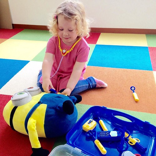 Tending to a sick minion at Star Kids International Preschool, Tokyo. #starkids #international #preschool #school #children #kids #kinder #kindergarten #daycare #fun #shibakoen #minatoku #tokyo #japan #instakids #instagood #twitter #子供 #幼稚園 #保育園 #スターキッズ #