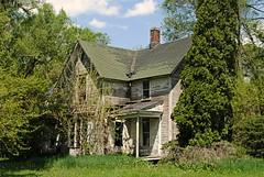 Rural Decay, Ogle County Illinois (Cragin Spring) Tags: illinois il midwest unitedstates usa unitedstatesofamerica trees house home decay rural farm farmhouse abandoned oglecounty