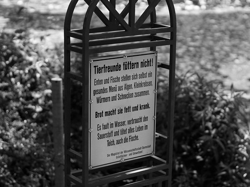 Don't feed the animals! - Prinz-Emil-Garten