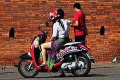 Chiang Mai Cool. (ol'pete) Tags: chiangmai เชียงใหม่ ประเทศไทย thailand thapaegate ประตูท่าแพ