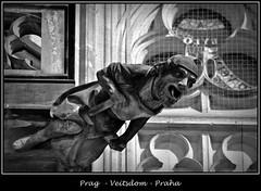 Gargoyles - 12 (fotomänni) Tags: prag praha prague veitsdom gargoyles wasserspeier steinfiguren skulpturen skulptur sculpture kunst schwarzweis blackwhite noirblanc gargouille manfredweis