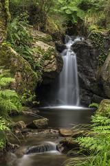 Fervenzas de Domaio (ponzoñosa) Tags: fervenza waterfall domaio moaña morrazo cangas ría vigo corredor rio river low longexposure