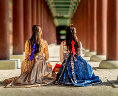 The greatest gift of life is friendship (JohnNguyen0297 (busy - on/off)) Tags: seoul southkorea korea gyeongbokgungpalace gyeongbokgung travel friendship a6000 sonya6000