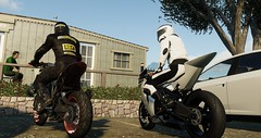 Hey mate, what about a coffe? (pennamatteo) Tags: coffe break bikes track ktm ktmsbrothers rc8 duke 1290r hills sunnyday