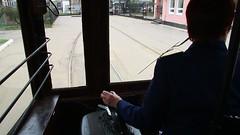 Sankt_Petersburg_Straßenbahnfahrt_mit_Triebwagen_2642_entlang_des_Srednij_Prospekts_18_05_2017_MVI_9975 (Bernhard Kußmagk) Tags: srednijprospekt sanktpetersburg europe europa russland leningrad sanktpeterburg russie russia petrograd piter санктпетербург bonde eléctrico raitioliikenne sporvei sporvogn spårväg streetcar tram tramm tramvaiul trolley tramvay tramwaj villamos tramway tramwaje tranvia trikk трамвай τραμ tranbia ट्राम 市内電車 tranvía spårvagn tramvajus tramvajs tramvia tranvai raitiovaunu strasenbahn 有轨电车 bernhardkusmagk bernhardkussmagk kusmagk kussmagk breitspur 1524mm санктпетербургскийтрамвай 2642 triebwagen2642 twoaxlecar zweiachser