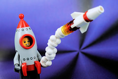 Rocket Boy launches a rocket toy (Lesgo LEGO Foto!) Tags: lego minifig minifigs minifigure minifigures collectible collectable legophotography omg toy toys legography fun love cute coolminifig collectibleminifigures collectableminifigure rocketboy rocket boy series17 series 17 launch space