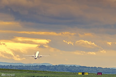 Taking Off (Bob Edwards Photography - Picture Liverpool) Tags: plane airoploane flight airport johnlennon liverpool merseyside sunset evening