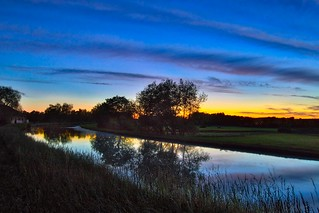 Canal à l'heure bleue - Canal at the blue hour