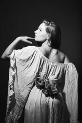 Emma (..norm../www.aucoindeloeil.fr) Tags: girl sexy femme women nude drap voila regard blackwhite black white studio light profoto d1 stephane macre aucoindeloeilfr cute feminine closeup