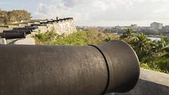 Les cannons de La Cabaña (Djof) Tags: cuba havane lahavane havana habana lahabana caraïbes caribbeans malecón city ville horizon skyline berge waterfront fort château castle castillo forteresse fortress fortification fortalezadesancarlosdelacabaña lacabaña cannon