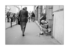 Same age, different past (Istvan Penzes) Tags: leicammonochromtyp246 leicasummicron35mmv1 penzes manualfocus rangefinder availablelight handheld bw black white budapest street