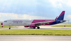 Wizzair A321 HA-LXF taxiing at WAW/EPWA (Jaws300) Tags: airline airlines airport chopin hungary lowcostcarrier takeoff departing departure taxiway apron ramp polska poland warszawa warsaw waw epwa lcc wizz airbus a321 wizzair halxf