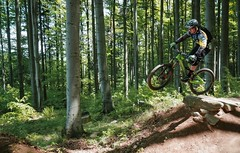 the gap (Hagbard_) Tags: bike mtb mountainbike trailbike ride enduro czech rychleby sport tour outdoor outside trailriding wood fun life friends beautiful mtbisokay nature photography rychlebskéstezky