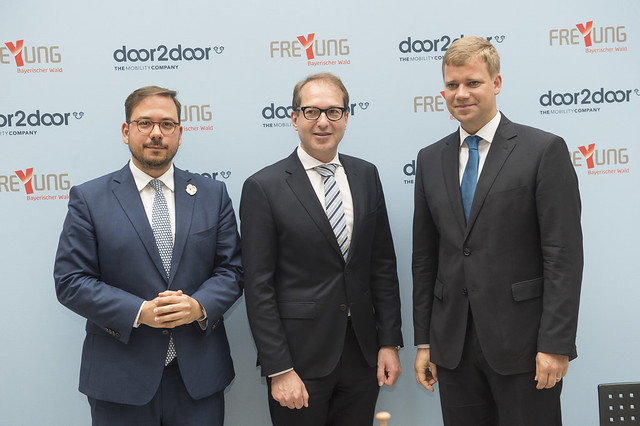 Maxim Nohroudi, Alexander Dobrindt and Olaf Heinrich posing for a picture