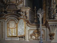 Forgotten faith (JG - Instants of light) Tags: altar chapel christ golden dusty decay abandoned creepy decaying creepying dark shadows light religious capela fé esquecida cristo dourado empoeirado decadente decadência abandonado arrepiante assustador sombrio sombras luz religioso urbex fujifilm sl1000 portugal