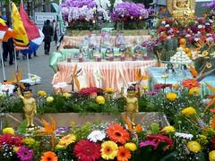 Buddha's Birthday02 (Quetzalcoatl002) Tags: buddha birthday buddhism celebration cultural event amsterdam nieuwmarkt chinatown abhisheka bathing ceremony flowers
