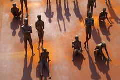 gente (enrico sprea) Tags: scultura bronzo ferro ruggine anonimo expomilano rhopero 2015 milano lombardia italia allaperto pentaxlife arte figure sculture gente folla sole ombra figurine silhouette controluce scosceso metallo autoresconosciuto esposizione mostra fiera visitatori expomilano2015 nudi nudo uomo donna ossidazione roserio ossido ossidodiferro