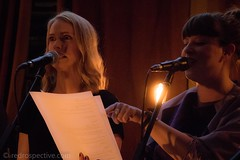 IMG_9714 (redrospective) Tags: 2017 20170406 april2017 isabellamariee livausten london theroundup theroundup3 twowayshome concert concertphotography duet gig live music musicphotography paper people shocked singer singing white woman women