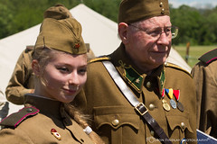 russian_soldier_and_hungarian_vet1 (ronfin44) Tags: wwii wwiiweekend wwiiairshow war airplane aircraft soldiers allies allied axis german ss nazi yankee lady b17 b25 b24 liberator panchito russians russian ruskie british paratrooper army navy marines airforce veterans veteran uniform medals awards troops