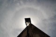 Turn on your love light... (modestino68) Tags: lampione lamp cielo sky halo muro wall castello castle vanmorrison jameshunter