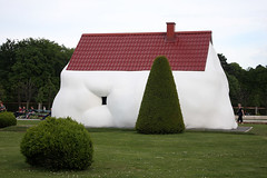 The Fat House by Erwin Wurm (misseka) Tags: austria vienna belvedere thefathouse erwinwurm