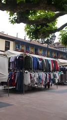 El Fontán (Jusotil_1943) Tags: venta ambulante ropa oviedo ramas