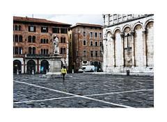 Lucca (m.a.r.c.i) Tags: fujifilm xe1 fujinon xf35mmf2 toskana toscana lucca landschaft landscape italien italy italia street marci piazzasanmichele chiesadisanmicheleinforo