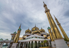 Malaysia (Martin Zurek) Tags: kualaterengganu terengganu malaysia my architecture building mosque moschee masjid kristal crystal travel adventure world muslim religion religious asia southeastasia south east 5dsr canon zeiss distagont2815 ze