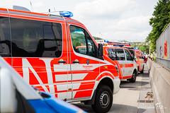 Busunfall A3 Niedernhausen 31.05.17 (Wiesbaden112.de) Tags: a3 autobahn bus busbrand feuerwehr kinder klassenfahrt lna manv niedernhausen notarzt olrd rettungsdienst schüler wiesbaden wiesbaden112 deutschland deu