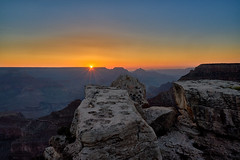 Sunrise at Grand Canyon (W_von_S) Tags: grandcanyon grandcanyonnationalpark sunrise sonnenaufgang usa us america amerika southwest südwesten arizona rocks felsen canyon schlucht natur nature wvons werner sony outdoor june juni 2017 landschaft landscape berge mountains