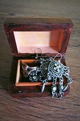 little treasure :) (green_lover) Tags: jewellery casket wood wooden smileonsaturday jewels