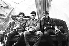 Three brothers (EdVelaro) Tags: refugees refugiados sirios syrians kodak trix 400