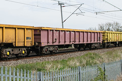 503564 Kingsthorpe 300417 (Dan86401) Tags: 503564 503 mla bogie open ballastbox wagon freight greenbrier ews db dbcargo redsnapper fishkind engineers departmental infrastructure wilsonscrossing kingsthorpe northampton wcml 6r02