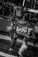 Emocionante final Aguada venció 92-91 a Hebraica Macabi se pone 3 a 3 y  estira la seria a la final definitiva | 170529-0269-jikatu (jikatu) Tags: federacionuruguayadebasketball ligauruguayadebásquetbol aguada aguatero basket basketball basquetbol bw básquetbol canasta canon canon5dmkiv deportes directtv finales hebaricamacabi hebraica jikatu macabeos macabi macromercado mercedes montevideo sport uruguay xanna