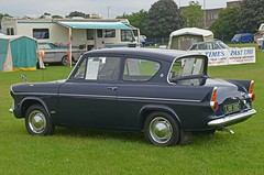 1966 Ford Anglia 105E (Malc Edwards) Tags: london malc en1 enfield pageantofmotoring 2017 car vehicle ford anglia 105e 1966