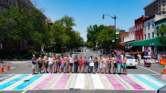 2017.06.10 Painting of #DCRainbowCrosswalks Washington, DC USA 6445