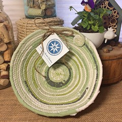 """Small Table Basket #1107 • <a style=""""font-size:0.8em;"""" href=""""http://www.flickr.com/photos/54958436@N05/34114108424/"""" target=""""_blank"""">View on Flickr</a>"""