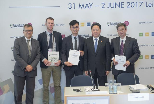 Jose Viegas, Vincent Benezech, Guineng Chen, Xiaopeng Li and Baolin Shi posing for a picture