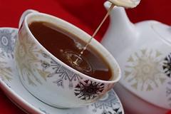 Kaffeetropfen27 (jugglingpics) Tags: drops tropfen kaffee tee dripsdropsandsplashes