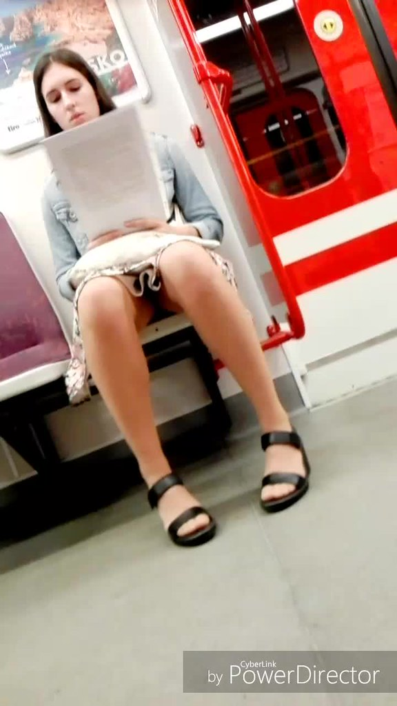 Candid asian sexy feet amp legs painted toes 10