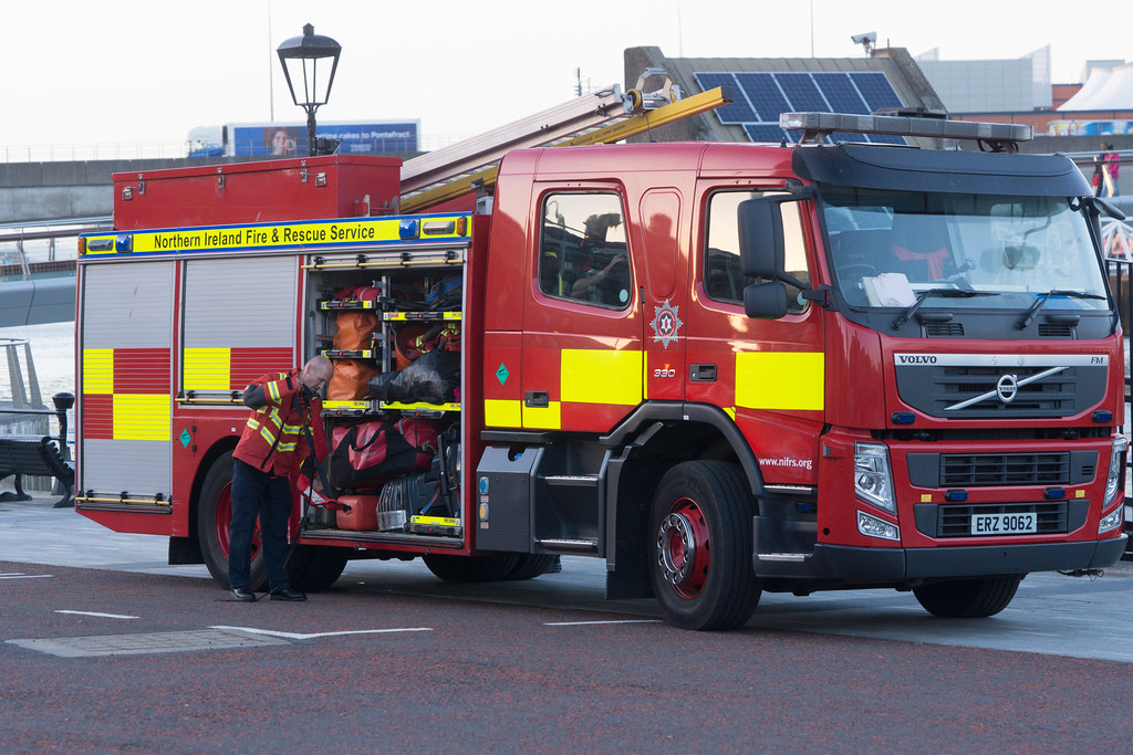 NORTHERN IRELAND FIRE AND RESCUE SERVICE IN BELFAST [SRT APPLIANCE]-129104