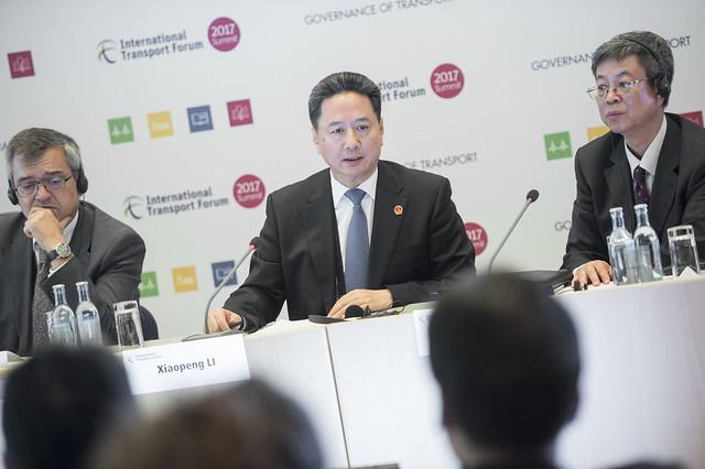 Xiaopeng Li answering questions