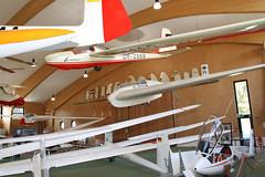 neuere Ausstellungshalle (pilot_micha) Tags: 06052017 deutschessegelflugmuseum deutschessegelflugmuseummitmodellflug deutschland hessen mai2017 museum segelflugmuseum segelflugzeug wasserkuppe gemany glider neuehalle sailplane gersfeldrhön de