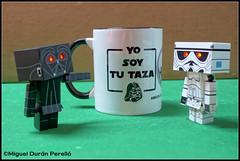 Feliz Dia del Orgullo Friki... (mike828 - Miguel Duran) Tags: danbo danboard juguete toy figura model taa mug friki geek geekday sony rx100 rx100m2 rx100ii rx100mk2 star wars starwars darth vader stormtrooper