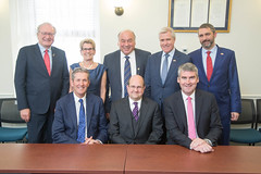 Canada's Premiers/les premiers ministres des provinces et territoires meet with/rencontrent Steven Vaughn, General Counsel to the U.S. Trade Representative/directeur des affaires juridiques du représentant au Commerce des États-Unis