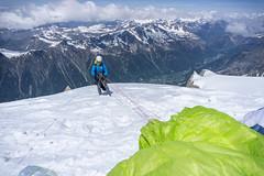 PeteWilk_2017-05-24_31386.jpg (pete_wilk) Tags: paraglide blueicesalesmeetingouting alpineclimbing billbelcourt chamonix france