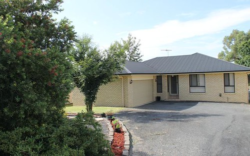 2/13 Albert Street, Inverell NSW