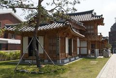 수원, Suwon, South Korea (Tiphaine Rolland) Tags: southkorea suwon korea corée coréedusud asia asie nikon d3000 nikond3000 printemps spring 대한민국 수원시 수원 house maison hanok